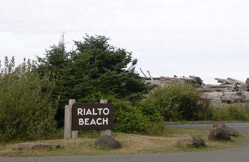 Rialto Beach parking lot; click to see many more photos from our trip